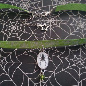 NEON GREEN SPIDER CHARM CHOKER  🕷️💚